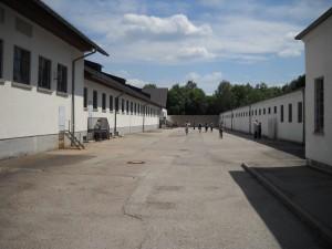 Lagarul de la Dachau - curte interioara