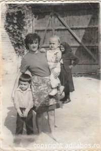 mama, Adi, Cristi la Nimăești