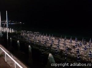 plaja noaptea Nisa