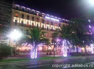 Nice by night