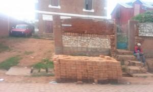 caramida langa drum Antananarivo Madagascar