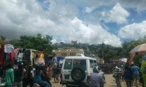 oameni si masini Antananarivo Madagascar3