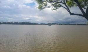 lac cu nori in Madagascar Ivato