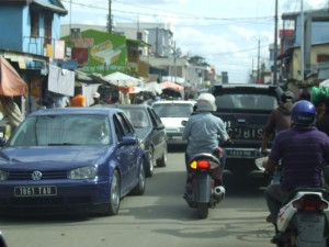 magini trafic ambuteiaj Antananarivo Madagascar3