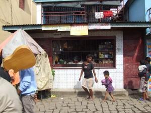 Copil in Antananarivo Madagascar 6