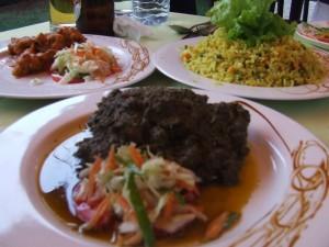 Mâncare la restaurant lângă Antananarivo Madagascar2