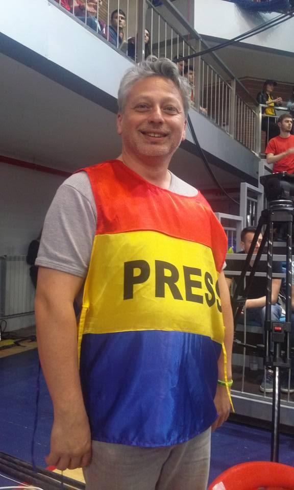 Robi transmisie LIVE TEXT Cupa României baschet cameraman